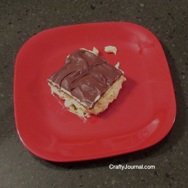 Eclair Cake - Crafty Journal
