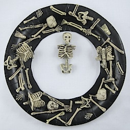 Boneyard Wreath by Crafty Journal