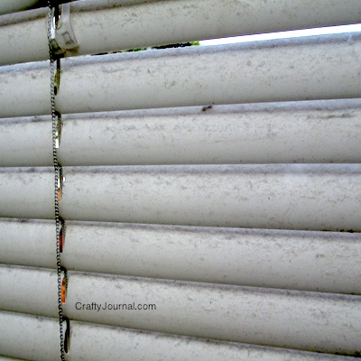 Easy Way to Clean Blinds - Crafty Journal