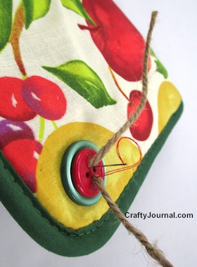 Hot Pad Scissor Holder by Crafty Journal