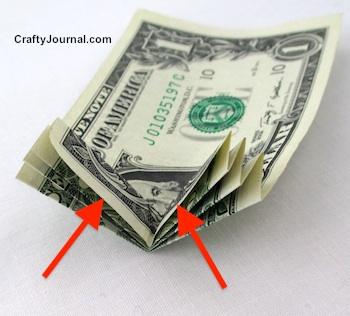 Dollar Bill Turkey by Crafty Journal
