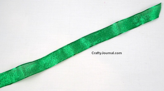 Quick Way to Straighten Wrinkled Ribbon by Crafty Journal.